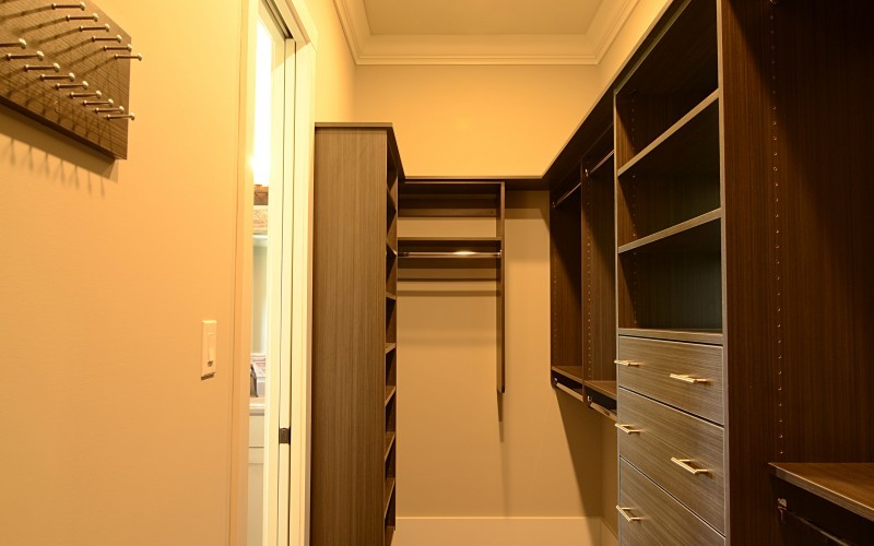 Sentinel Builders, Custom Homes in Knoxville - Closet Gallery